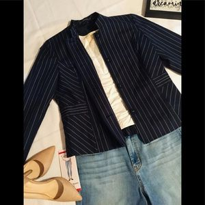 Liz Claiborne beautiful jacket with lined buttons